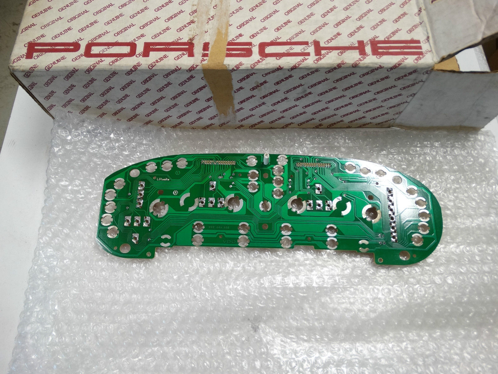 928 Tech Tips Repair And Diagnostic Of Electronic Circuit Board Stock Photo Doc 90gt